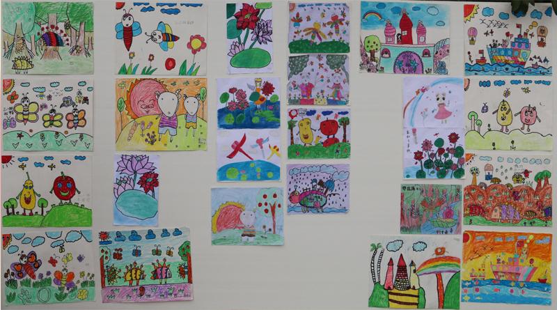 一块块班级展板,详述了孩子们在班级的成长历程